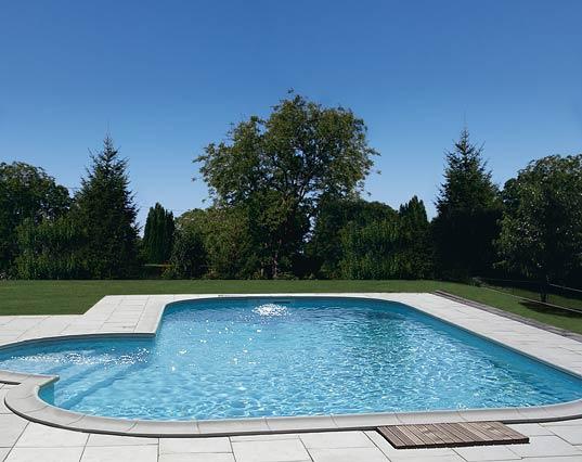 https://poolbau-tomo.at/wp-content/uploads/2018/05/piscine-montecarle-1.jpg